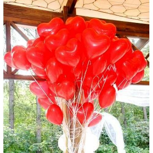50 красных сердец