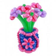 Утонченная ваза с ромашками